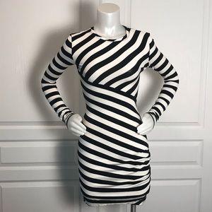 DVF BLACK & WHITE STRIPE BODYCON LONG SLEEVE DRESS